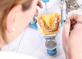 DT Dental Lab